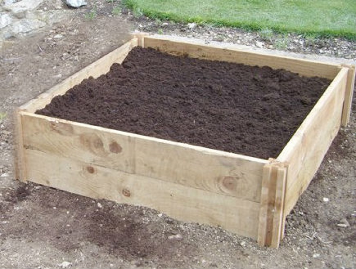 Deep Single Raised Bed 90cm X 90cm X 30cm Deep Wooden