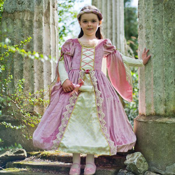 Her Royal Highness Costume, Travis - 84.0KB